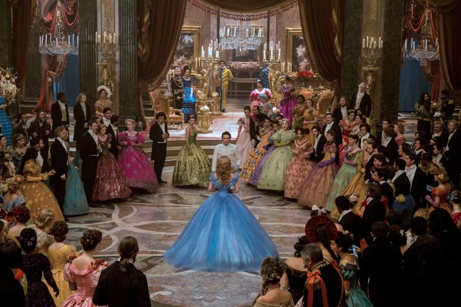 """Neuer Trailer zu Disneys Realverfilmung von """"Cinderella"""""""