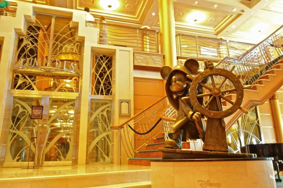 disney-cruise-magic-lobby-bericht