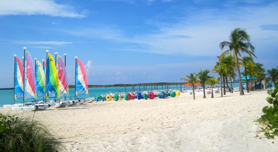Schnorcheln oder Segeln: Aktivitäten auf Disney's Castaway Cay - Insel von Disney Cruise Line