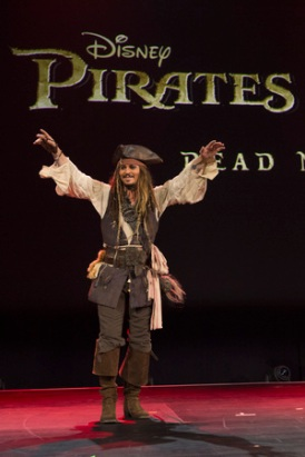 "D23 Expo 2015: Javier Bardem und Orlando Bloom in Disney's ""Pirates of The Caribbean 5 – Dead Man Tell No Tales"""