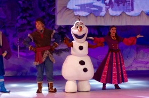 "Olaf im ""Frozen Sing-along"" im Disneyland Paris"