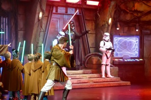 "Darth Vader in der ""Jedi Academy"" im Disneyland Paris"