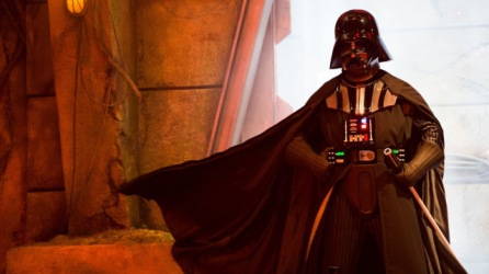 disneyland-paris-star-wars-season-force-darth-vader
