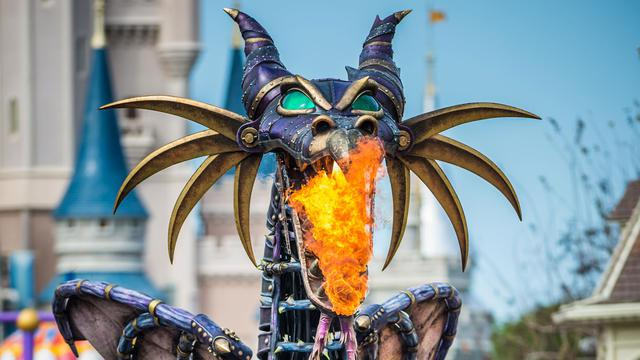 disneyland-paris-disney-stars-on-parade-2017