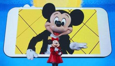 weihnachten-disneyland-paris-surprise-for-mickey-3